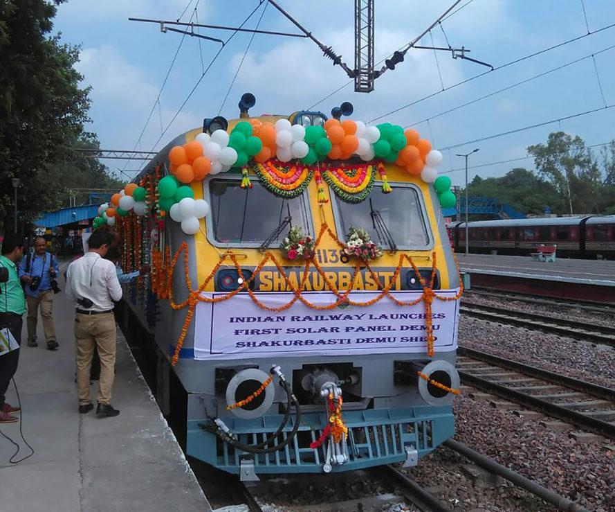 hindistan güneş enerjili tren