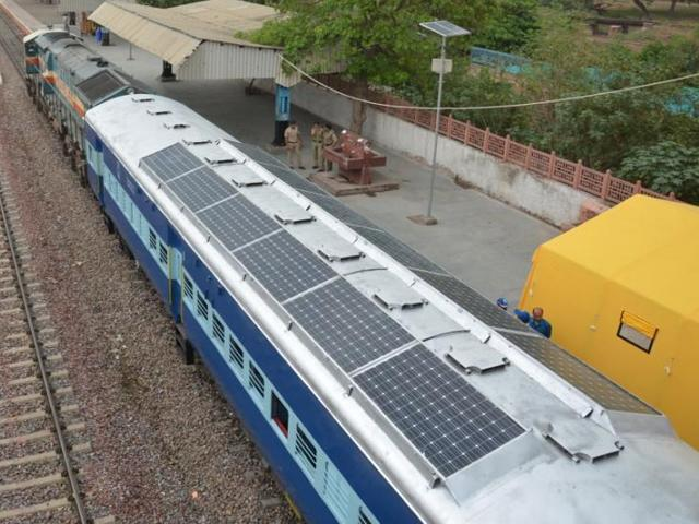 hindistan tren