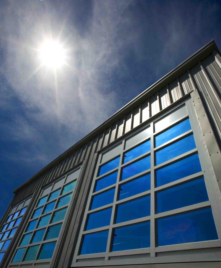 güneş panelli binalar