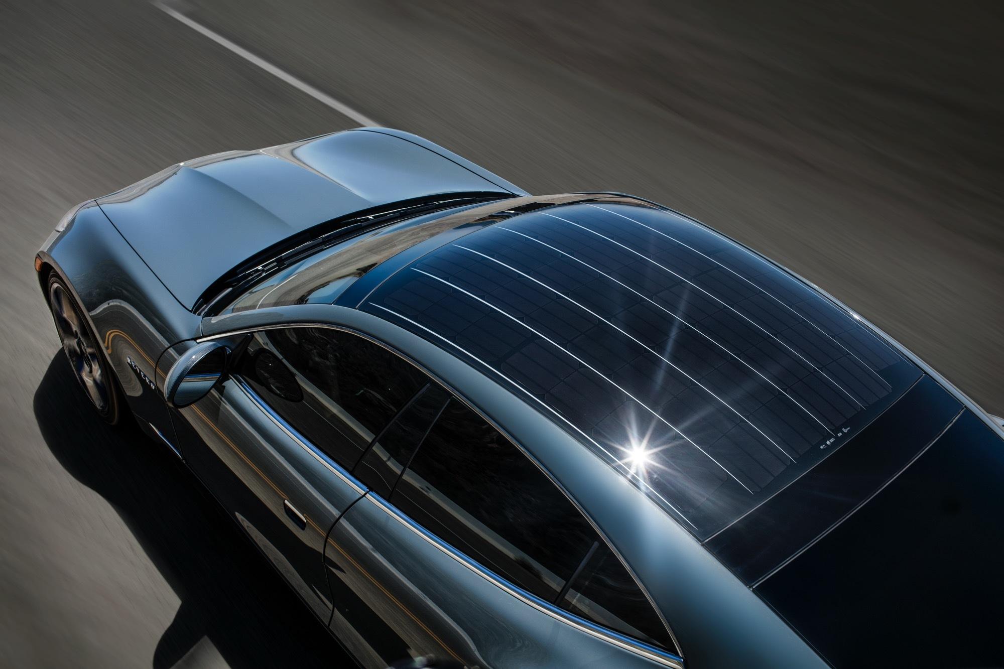 panasonic güneş enerjili araba